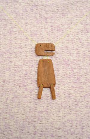 Náhrdelník ze dřeva