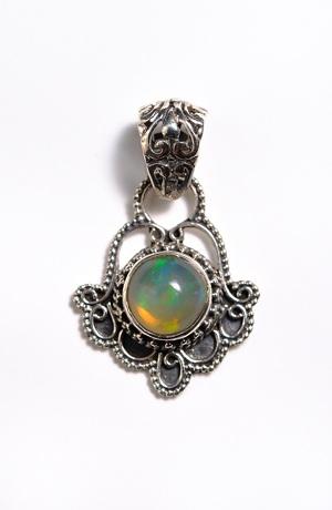 Stříbrný přívěšek s přírodním kamenem - etiopský opál