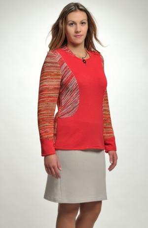 Elegantní dámský svetřík z jemné pleteniny