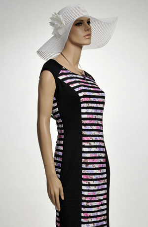 Módní elastické šaty