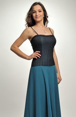 Šaty s korzetovým živůtkem a kolovou sukní