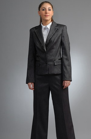 Černý dámský kalhotový kostým