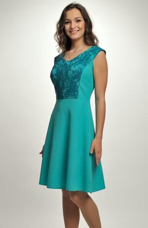 Elegantní šaty do společnosti i na svatbu