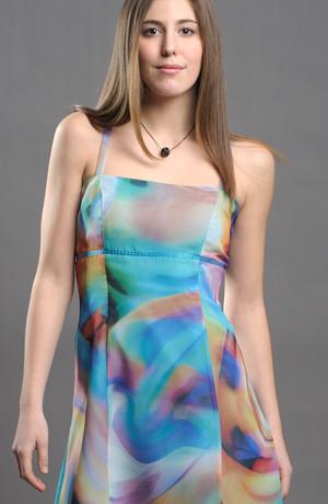 krátké společenské šaty vhodné na letní párty ...