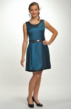 Krátké elegantní šaty vhodné na ples i do tanečních. Velikosti 38 až 44