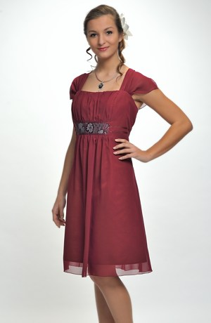 Mladistvé šaty vhodné pro silnější postavy XL , XXL, XXXL