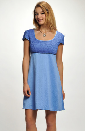 Empírové krátké dívčí společenské šaty nad kolena s malými rukávky. Lze doplnit bolerkem. vel. 38, 40