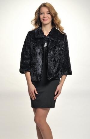 Černý kožešinový kabátek i pro větší velikosti