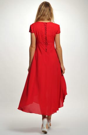 Červené společenské šaty do elastického sedýlka v lady délce. Vel. 38. 40. 42. 44