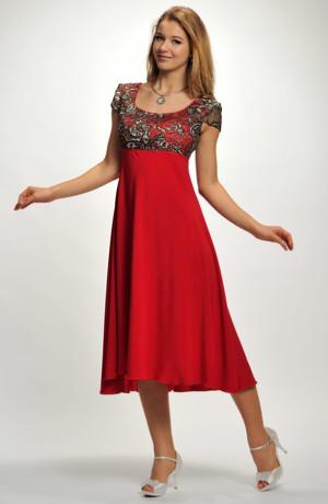 Červené elegantní společenské šaty se sedlem z elastické krajky ve velikosti 42.