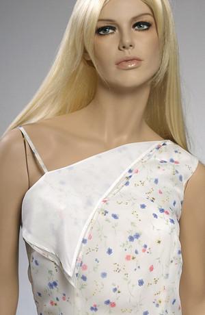 Letní šaty ze šifónu v drobném kytičkovém vzorku