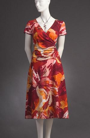 Delší květované šaty s rukávky