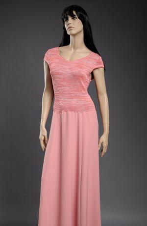 Šaty s živůtkem z jemné pleteniny.