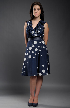 Dámské modré letní šaty s velkými puntíky