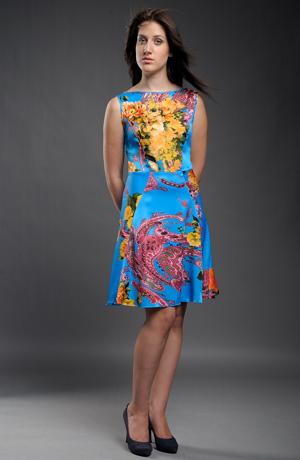 Krátké společenské šaty z hedvábí