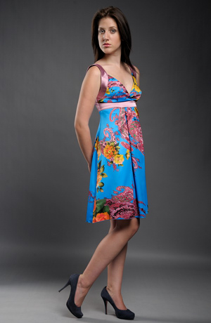 Hedvábné šaty s květy
