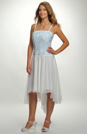 Svatební šaty se zajímavým korzetovým živůtkem