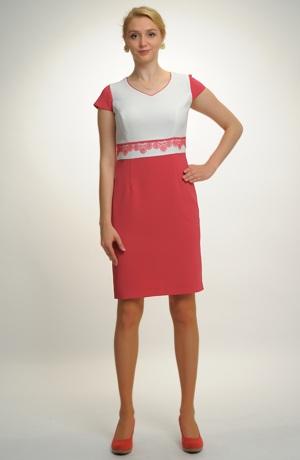 Společenské pouzdrové šaty s kratším kabátkem