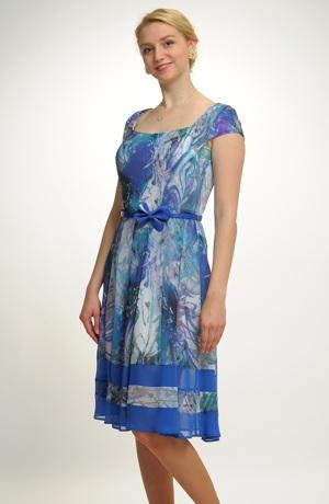 Lehké šifonové šaty vhodné i pro plnoštíhlé v jasné modré barvě, vel. 42 - 46
