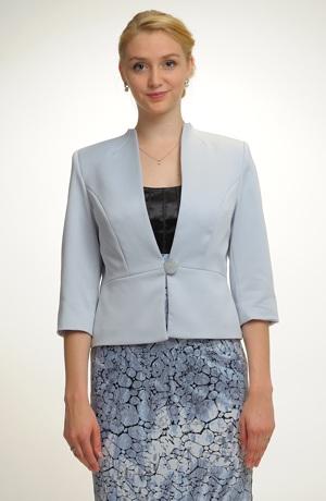 Sako v šedomodré barvě.