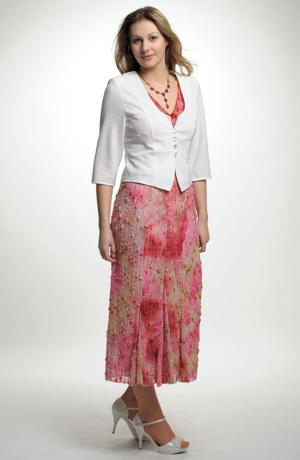 Dlouhé šaty na léto v jasných barvách