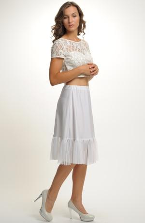Bíla spodnička s tylovým volánem