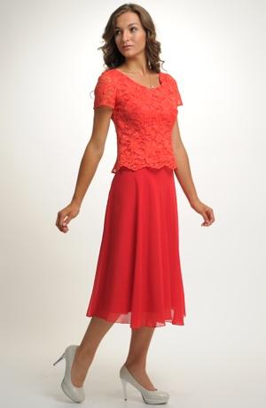 Červená společenská sukně pro plnoštíhlé