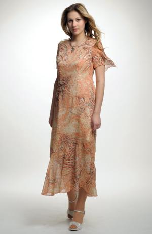 Letní šaty ze šifonu s volánem v jemných barvách
