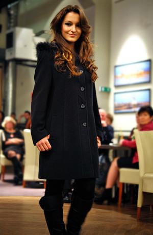 Elegantní dámské paleto na z lehkého vlněné tkaniny