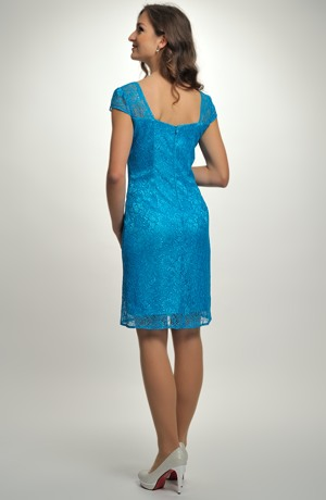 Luxusní dámské šaty do společnosti z nádherné krajky v tyrkysové barvě