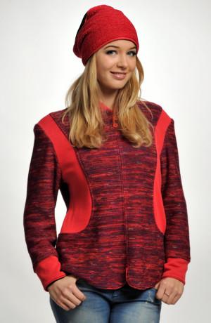 Červený kulich pletený