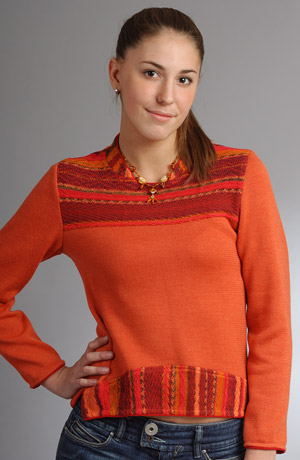 Dámský pletený svetřík do pasu s efektním tkaným vzorem.