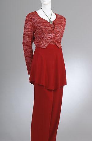 Kalhotový komplet s tunikou a bolerkem v kombinací viskozová pletenina a polyestetová látka.