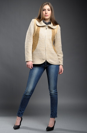 Dámský pletený kabátek v barvě camel na zip.