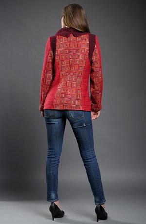 Podzimní pletený kabátek s velkým límcem na zip.