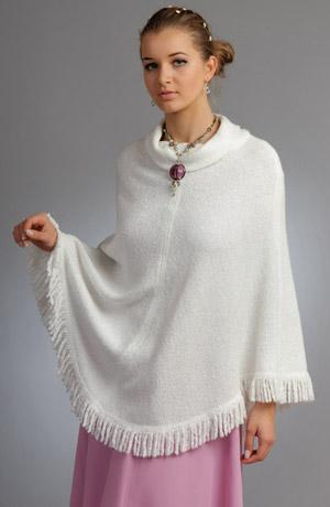 Bílé pončo s třádněmi vhodné i na svatební šaty,