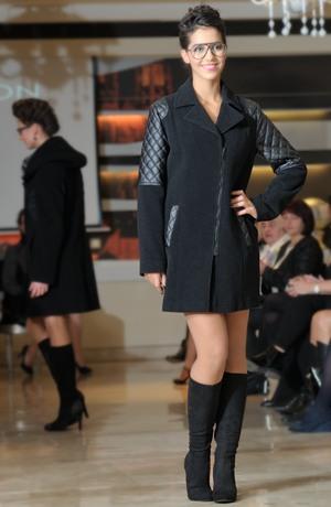 Elegantní paleto - dámský flaušový kabát v tříčtvrteční délce.