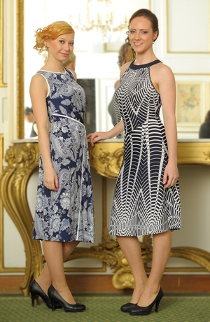 Šaty s modním vzorem