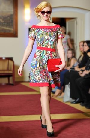Dámské letní šaty s módním originálním vzorem