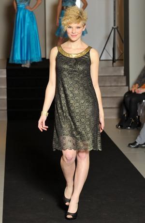 Dámské krátké plesové šaty z černo zlaté krajky ve stylu 60.let Vel. 38, 40