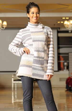 Silný pletený svetr z bouclé pletáže s angorou