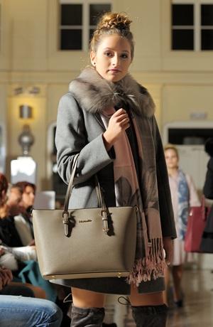 Krátký zimní kabát s kožešinou