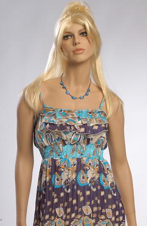 Letní šaty z vzdušného materiálu s barevným potiskem.