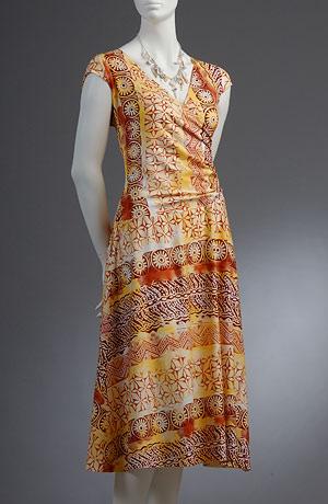 Letní šaty s řasením na bok v aktualním etno vzoru