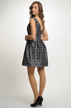 Šaty s bohatou sukní z taftu