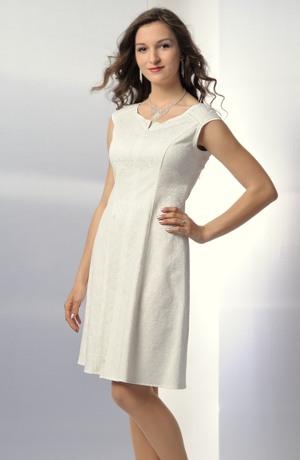Šaty v duchu 50.let v bílé