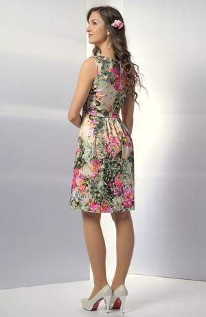 Elastické květované šaty na léto