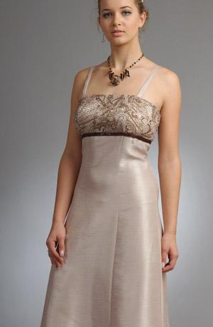 Dlouhé šaty na ramínka vhodné i na prodlouženou