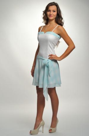 Dívčí elastické šaty se sukýnkou jak pro baletky.