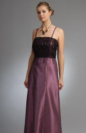 Šaty s korzetovým živůtkem zdobeným flitrovýmí šnůrkami šněrování na zadním dílu